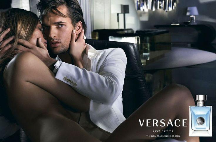 A Versace Pour Homme parfüm plakátja
