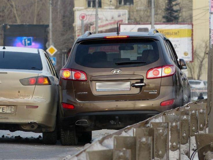 Водителям разрешили бить чужое авто, если нет другого выхода  Верховный суд защитил автомобилиста, который в результате вынужденного маневра поцарапал другую машину  Поводом для такого решения послужило дело некоего Теребенина А. Еще в 2014 году в октябре в Саратове произошло ДТП. Теребенин, управляя своим автомобилем и следуя в крайней левой полосе, вдруг увидел, как навстречу ему несется другая машина, причем с открытой пассажирской дверью.  Уходя от столкновения, россиянин взял резко…