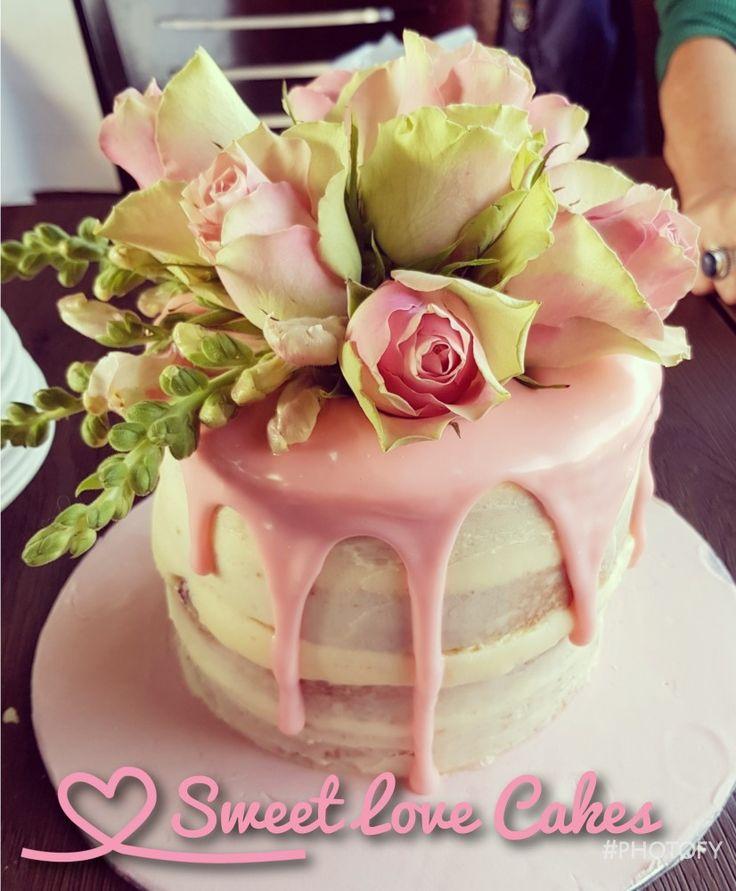 Dusty pink drip cake #dustypink #dripcale #roses #birthdaycake #mascarpone #ganache