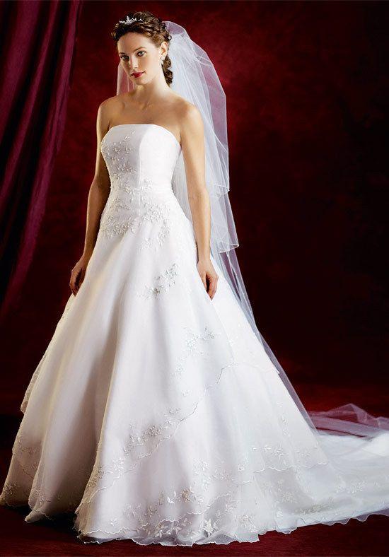 Wedding Dress: Idea, Traditional Weddings, Bridal Dresses, Wedding Dresses, Strapless Weddings Dresses, Vegas Weddings, Weddings Dresss, Bride Dresses, Weddings Gowns