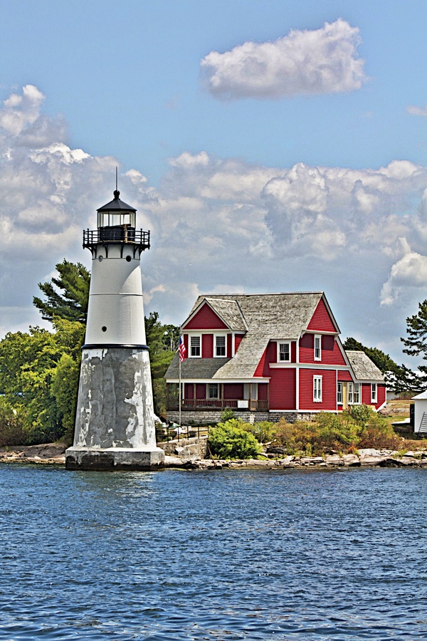 Canadian Lakes #Lighthouse http://www.roanokemyhomesweethome.com/