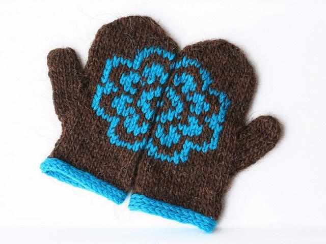 annypurls' Plum blossom mittens