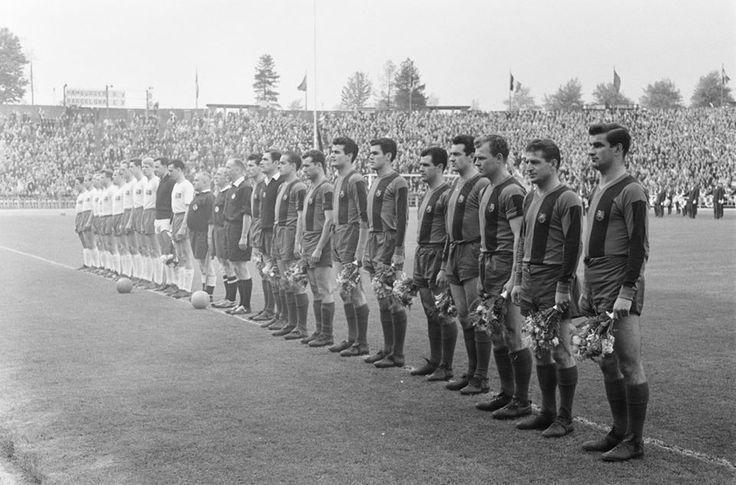 FC Barcelona - Hamburger SV 1:0 (1961) A képen(három magyar a Barcelonában):Kocsis Sándor, Czibor Zoltán,és Kubala László