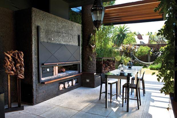 Modernidad en cada ambiente  Los muebles de exterior, simples y de líneas netas..