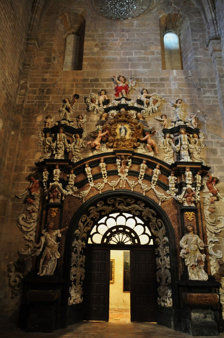 Porte de la sacristie (rococo, XVIIIe), église abbatiale, monastère royal de Santa María de Veruela, Vera de Moncayo, province de Saragosse, Aragon, Espagne.