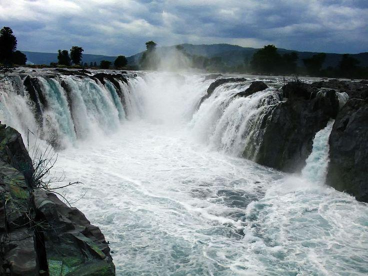 Hogenakkal Falls Tamilnadu India