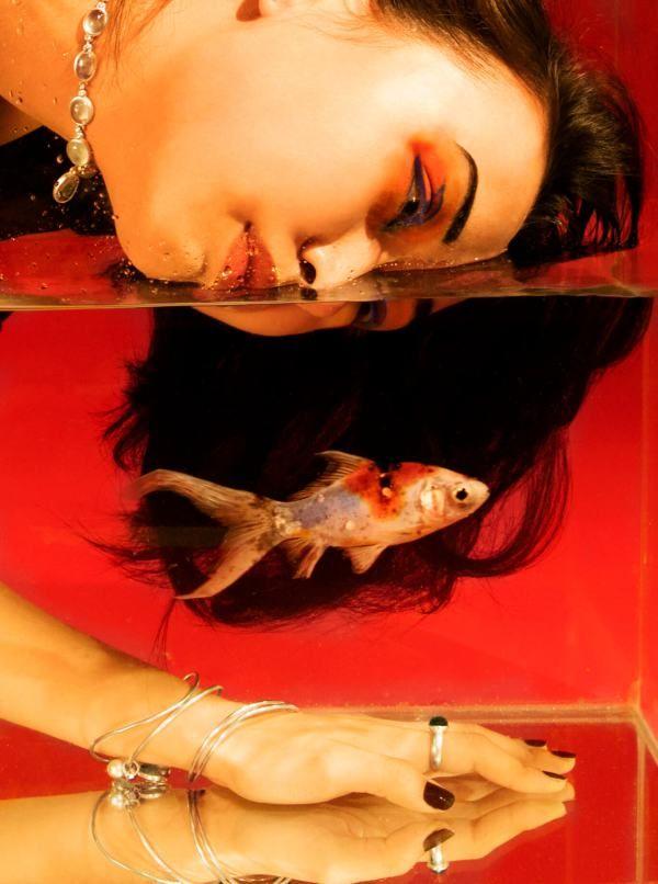 « AQUA »   Photographer & AD : Agathe Beyrieux/ Model : Malika Bianco/ HMUA : Audrey Vollais/ Stylist : Camille Bourdarias/ Jewellery designer : Yves Gratas - Bijoux Précieux