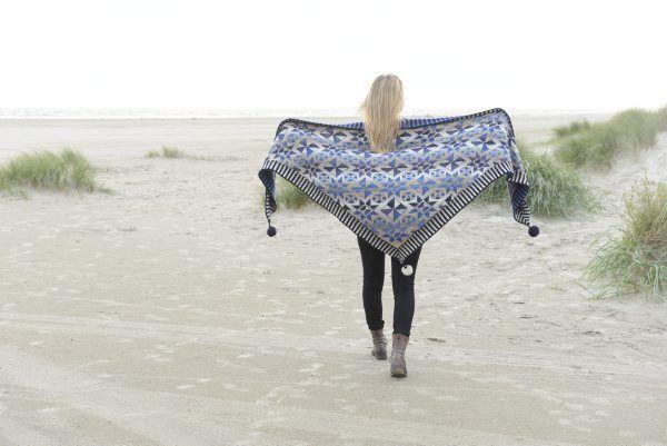 Tile shawl - blue