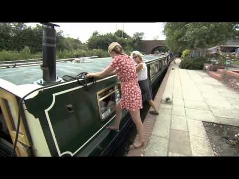 Moonraker Canalboats - Luxury Widebeam Canal Boat Hire on the Kennet and Avon Canal