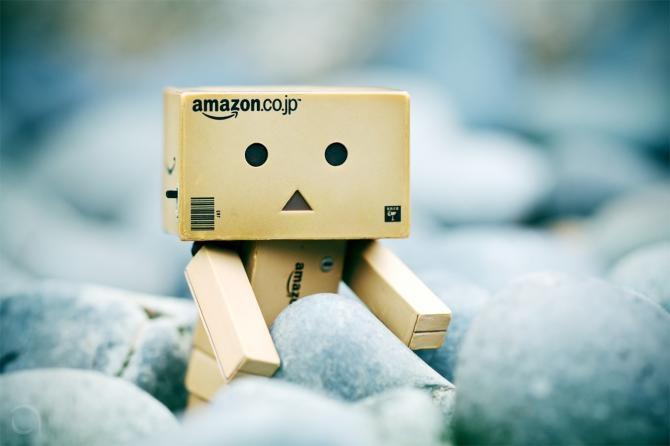 Amazon Cajita on Pinterest | Danbo, Robots and Amazon Box