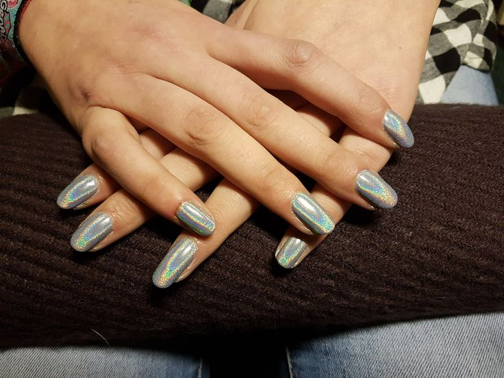 Holo nail pigment on gel nails