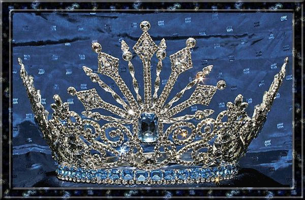 stunning russian imperial dynasty crown nice but