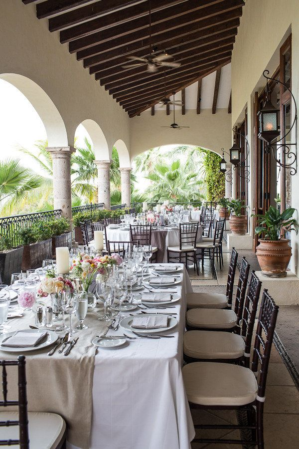 simple white with linen--prettyAmy Bennett, Cabo Del, Capes, Bennett Photography, Destinations Wedding, Style Me Pretty, Sun, Events Consultant, Design Style
