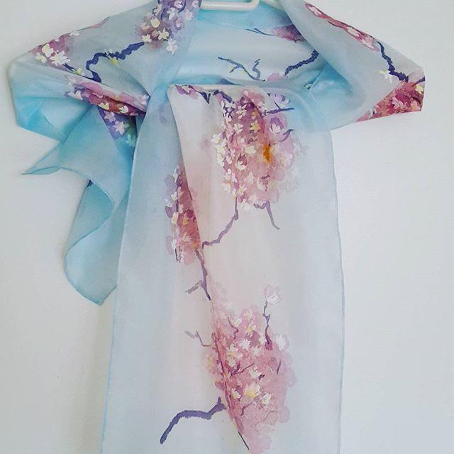 "Роспись по шелку. Шарф ""Сакура"" 142см х 30см #batik #silkscarf  #silkpainting  #handwork #handmade #handicraft #gift #malowanyjedwab #prezent #handpaintedsilk"