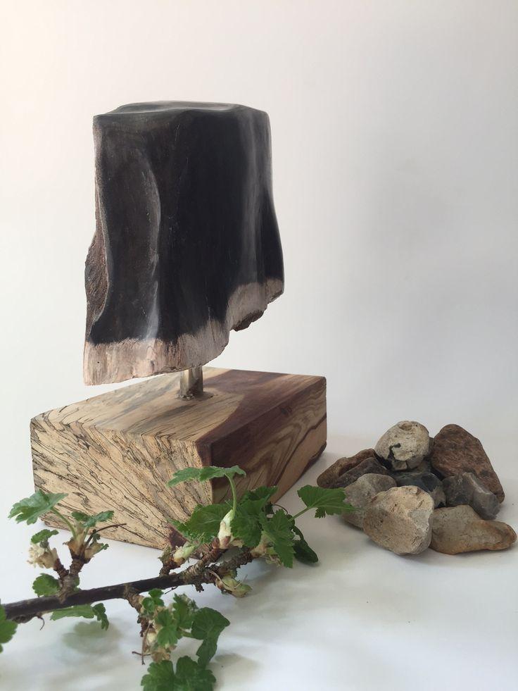 Smukt stykke unika forstenet træ på fod-super dekorativ 449,- fri fragt www.maisonmaison.dk