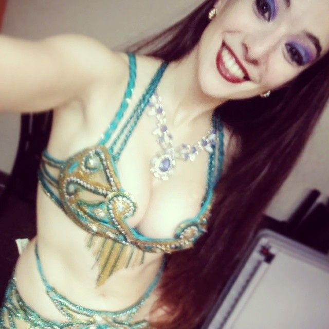 Belly dancing tonight at Mirage Restaurant! 7:30-10pm! Come out and say hi!  #beachbody #bellydanceforlife #bellydance #bellydancer #Bella #Persian #arabic #Clearwater #pinellas #Tampa