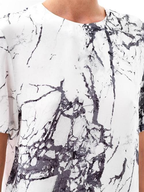 Via Daily Paris   Marble Print T-shirt   Minimal Chic Fashion