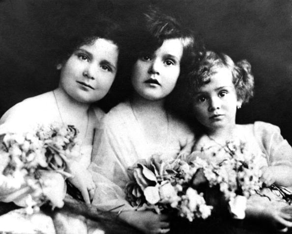 L-R Magda Gabor, Zsa Zsa Gabor and Eva Gabor pose for a portrait circa 1923 in Budapest, Hungary.