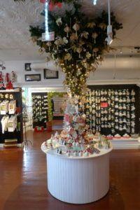 p1020081 - Christmas Shops around the World