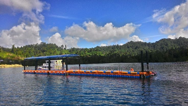 Dermaga Apung Pelabuhan Waisai - Raja Ampat