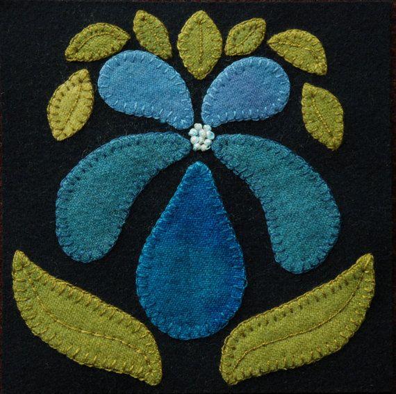 Applique de laine MOTIF BOM et/ou KIT «Orchid» 6 x 6 bloc 1 de 24 en laine «Quatre saisons de fleurs» couette lit table runner Tenture murale en courtepointe