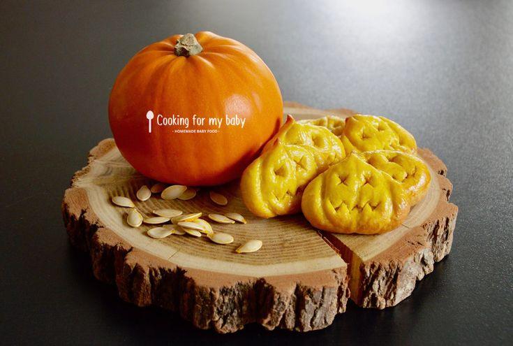 Ici, on prépare Halloween ! Et plus précisément des biscuits pour bébé à la citrouille pour Halloween... Je compte bien régaler bébé avec ces biscuits.