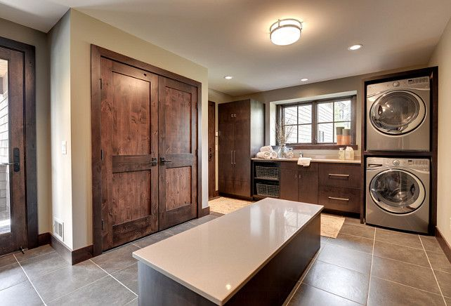 Laundry Room. This is a very good example of landry room and mudroom combined. #Mudroom #LaundryRoom