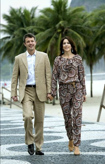 Normally Mary looks so great, but this outfit is just awful!- Official trip to Brazil - Day 5: Danish2012 Cp, Princesses Mary, Prince Frederik, Mary De, Outfit, Princesa Mary, Cp Mary, Frederik De, Crowns Princesses