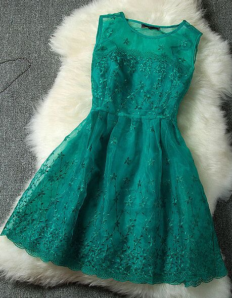 Organza embroidery dress--green