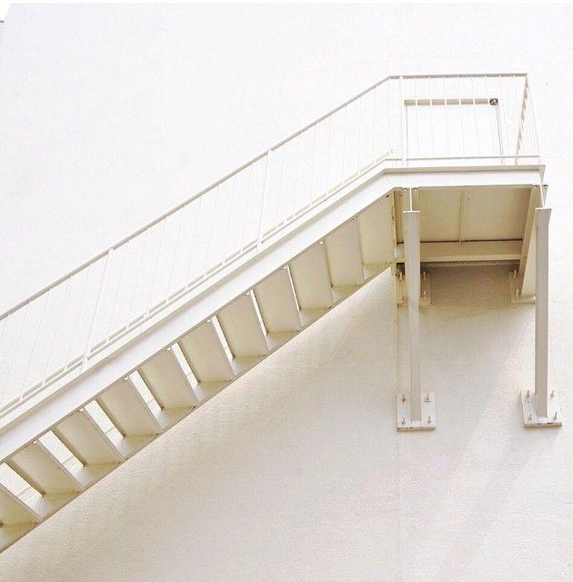 step tangga besi