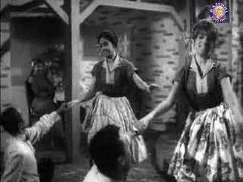 Baar Baar Dekho - Shammi Kapoor, Shakila and Keshto Mukherjee from the movie China Town.