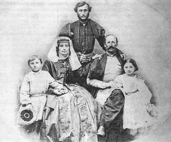 Багратион-Давыдов Александр Иванович (князь) с супругой Дарьей Бидзиновной (урожд. кнж. Эристовой),