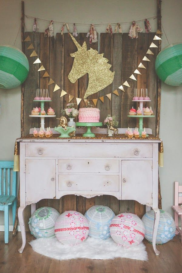 A unicorn themed birthday party to die for!