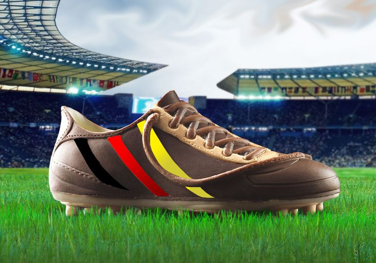 scarpa in cioccolato realizzata con gli stampi in silicone alimentare decosil #calcio  #germany