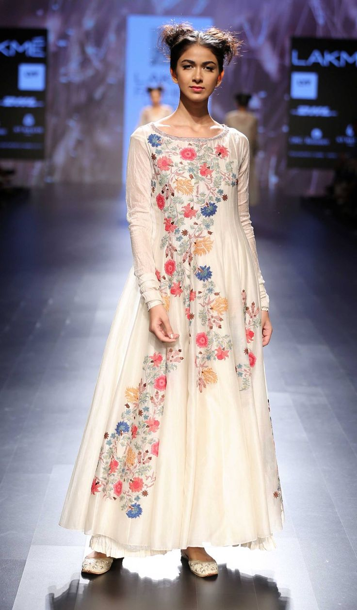 By designer Prama by Pratima Pandey. Shop for your wedding trousseau, with a personal shopper & stylist in India - Bridelan, visit our website www.bridelan.com #Bridelan #pramabypratimapandey #lakmefashionweek