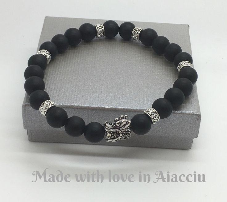 Männer Armband schwarzer Turmalin Perlen incorporate von madewithloveinaiaciu auf Etsy https://www.etsy.com/de/listing/238531876/manner-armband-schwarzer-turmalin-perlen