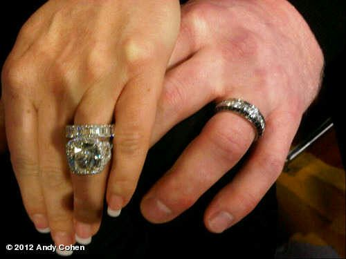 Kim Zolciak 's 10 carat engagement ring