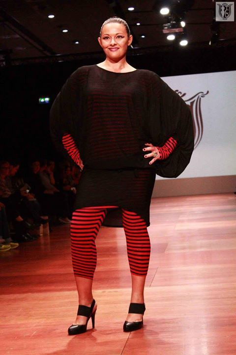 Ankle Leggings - Red/Black   WFW