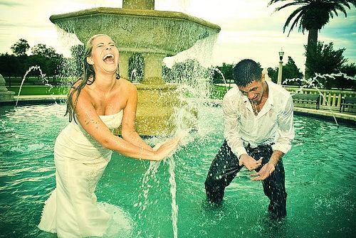 fun!: Water Fountain, Wedding Dressses, Wedding Photography, Anniversaries Ideas, Trash The Dresses, Dresses Ideas, Photos Shoots, Wedding Photos, Wedding Fun