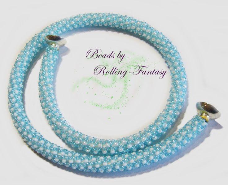 Kette aus Miyuki Rocailles in blau-weiß - Schlauch von Beads by Rolling-Fantasy auf DaWanda.com