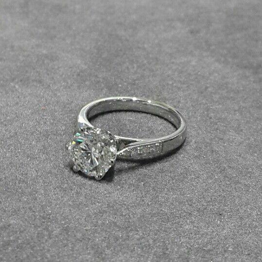 6 claw Diamond and Platinum ring