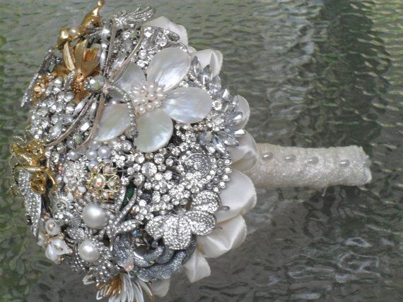 Bridal Brooch Bouquet  I would love to do silver brooches with white flowers