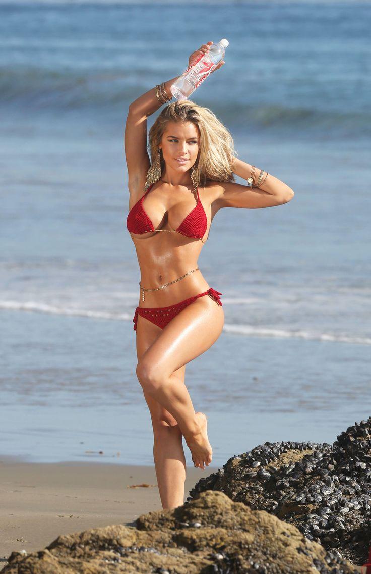Queen! beach bikini girls girls love