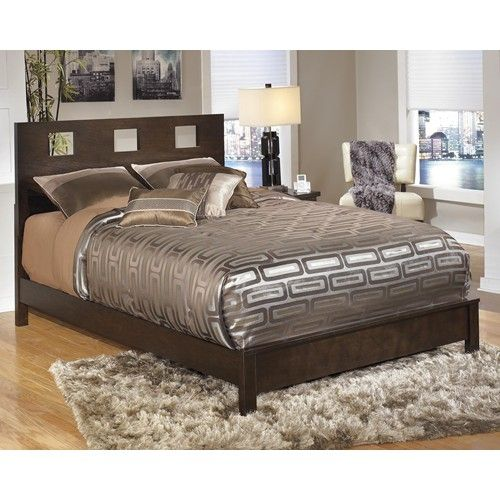 Winlane California King Panel Bed With Cut Out Headboard