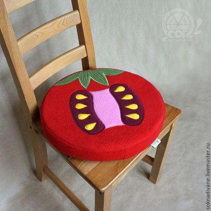 Неудобно сидеть на стуле? А на полу и подоконнике прохладно? - у нас есть решение по обуючиванию ситуации :) - наши Сочные, мягкие, теплые, очень удобные и, что важно, стильные ДОЛЬКИ предназначены для того, чтобы дарить Вам комфорт!