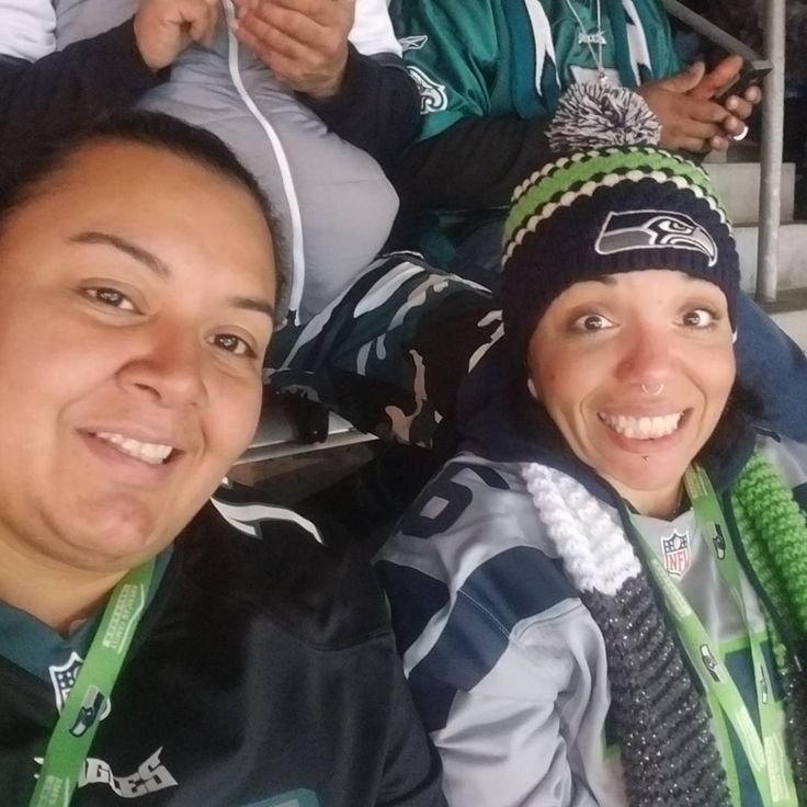 Took my amazing fiance to the game tonight.  It was an awesome experience and we had a blast.  #love #family #goals #nfl #sundayvibes #sundaynightfootball #eastcoast #westcoast #philly #philadelphia #philadelphiaeagles #eagles #flyeaglesfly #seahawks #seattle #pnw #smile #laugh