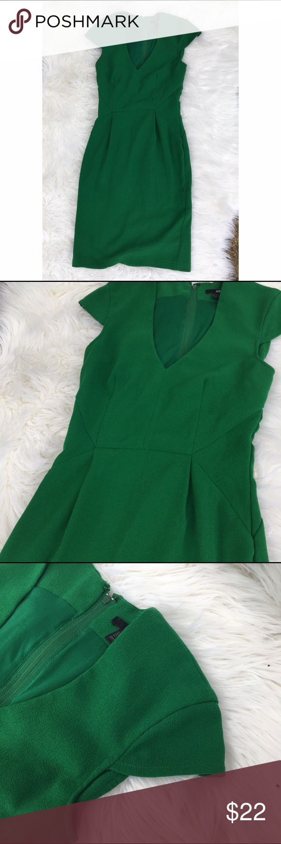 H&M green cap sleeve dress size 4 Beautiful Kelly green dress in a fitting bodice style. Short to midi length. Will hit just above or below knee depending on height. Zips up the back. Perfect for work, church, or a night out! H&M Dresses Midi