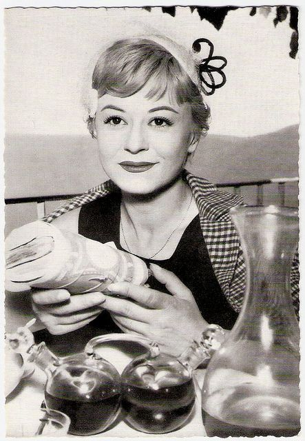 postcard of Giulietta Masina as Cabiria