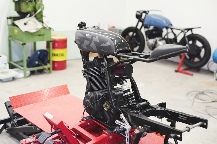 How to Turn a Suzuki Dirt Bike Into a Modern Cafe Racer – Part 4