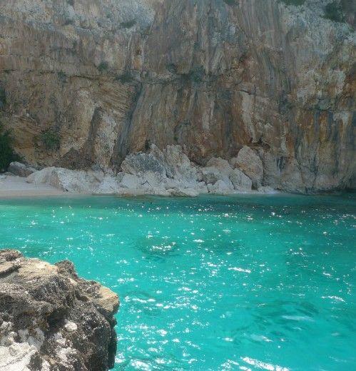 Sardegna : cala Mariolu , Baunei